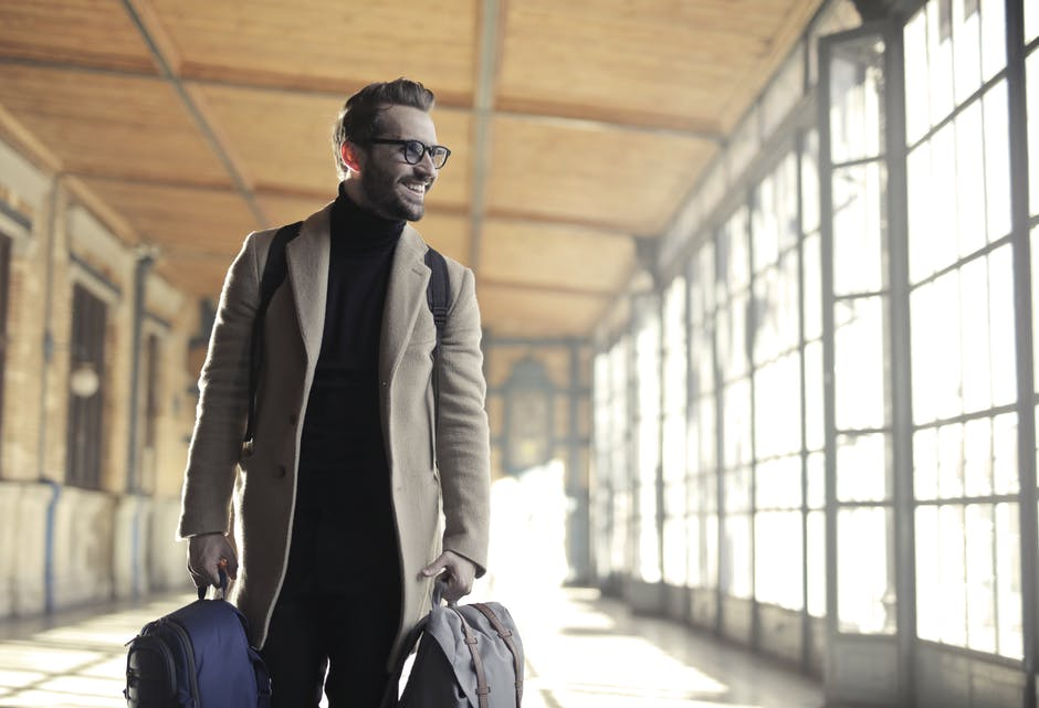 End Your Vacation in Style: 5 Reasons to Use an Airport Pickup Service