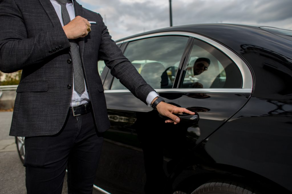Avoid the Shuttle: Use Private Airport Transportation in Dallas